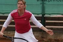 Lékařka Lucie Sochorová na turnaji v tenisu zdravotníků z Krajské zdravotní a.s