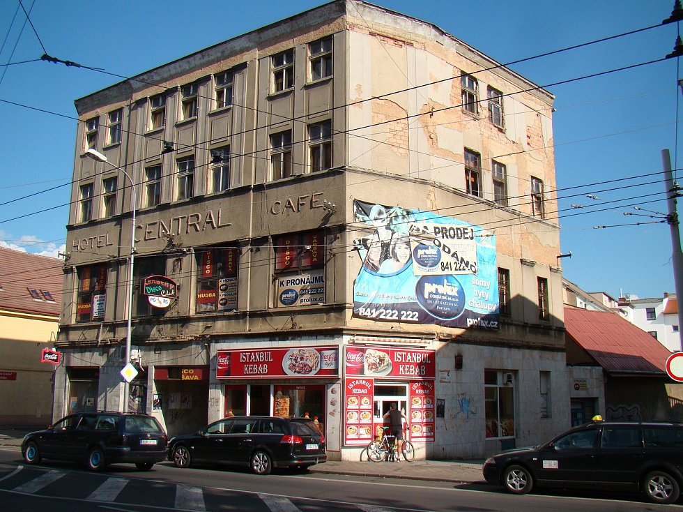 Teplické ruiny - Hotel Central, později Varšava.