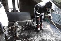 V Lahošti zasahovali hasiči. Požár zachvátil byt a část střechy