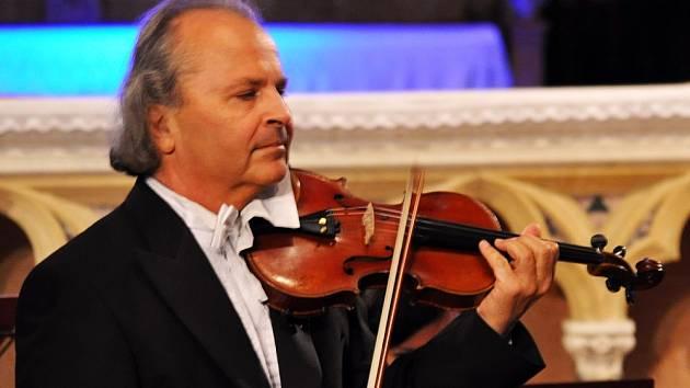 Koncert Václava Hudečka se souborem Barocco sempre giovane – zahájení Dubských slavností