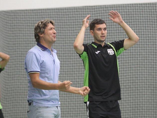 Michal Žák (vlevo) zápasy hodně prožívá
