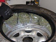 Marihuana ukrytá v rezervě.