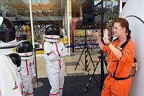 Z dětí se v teplické Olympii stanou během chvíle astronauti. A pak hurá do vesmíru!