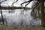 Zajíčkova cesta kolem rybníku Rosputl.