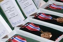 Hasiči obdrželi služební medaile