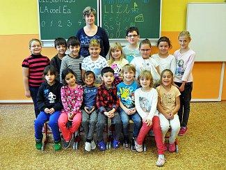 Na fotografii jsou žáci ze ZŠ Hostomice, 1. B třída paní učitelky Marcely Husákové.