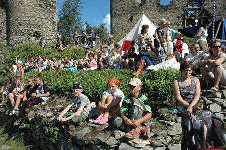 Tradiční slavnost na hradě v Kostomlatech