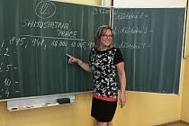 """""""Miluji práci s dětmi,"""" říká ředitelka ZŠ Dubí 2 Soňa Kosová."""