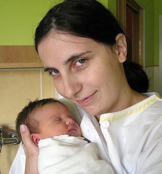 Mamince Dominice Tylmanové z Hrobu se 30. srpna v 13.00  hod. v teplické porodnici narodila dcera Vierka. Měřila 50 cm a vážila 3,6 kg.