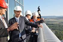 Ministr financí Andrej Babiš a ministr životního prostředí Richard Brabec navštívili elektrárnu Ledvice a SD Bílina.
