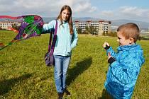 Pouštění draků patří i na Teplicku k oblíbené podzimní zábavě.