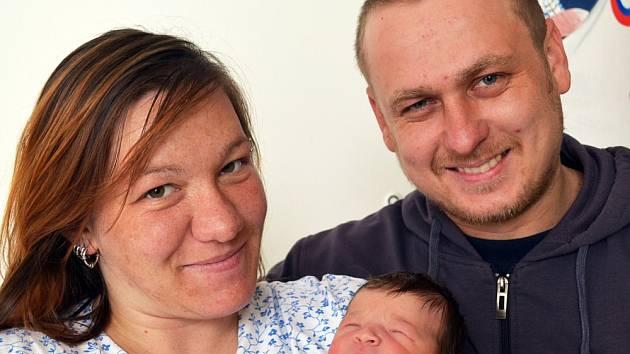 Mamince Monice Štarmanové z Duchcova se 15. června v 19.20 hod. v teplické porodnici narodila dcera Laura Nachmannová. Měřila 48 cm a vážila 2,85 kg.