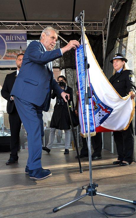 Návštěva prezidenta ČR Miloše Zemana v Bílině, setkání s občany na Mírovém náměstí.