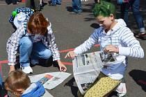 Padl nový český rekord podařilo se sestavit znak obce ze 161 živých lidí a Teplický deník byl u toho