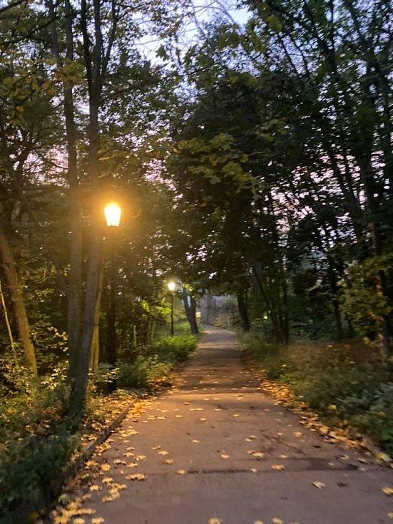 Večerní cesta na Doubravku v podzimní čas, vyvětrat hlavu.