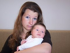 MARIE KABOURKOVÁ se narodila Věře Kabourkové z Lelova 8. dubna ve 22.20 hod. v teplické porodnici. Měřila 52 cm a vážila 4,150 kg.