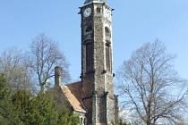 Kostel v Hrobě