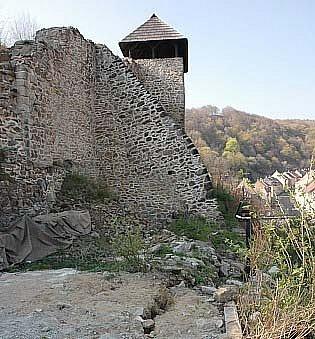 Růžový hrádek v Krupce je oblíbeným turistickým místem.