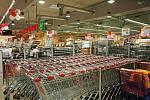 V Bílině je nový hypermarket