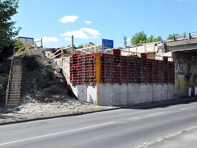 Rekonstrukce mostu na silnici 1/8.