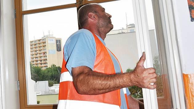 Výměna oken na Gymnáziu Teplice