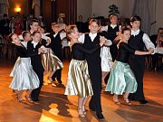 Maškarní ples Krušnohorského divadla.