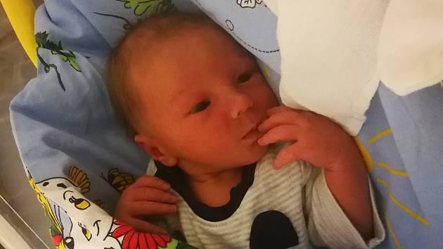 Štěpánek Špaček se narodil mamince Petře Hetverové 16. února ve 23.10 hodin. Měřil 48 cm a vážil 2,91 kilogramu.
