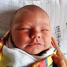 KRYŠTOF SAMEK se narodil Nikole Pospíšilové z Dubí 9. října v 0.11 hod. v teplické porodnici. Měřil 51 cm a vážil 3,40 kg.