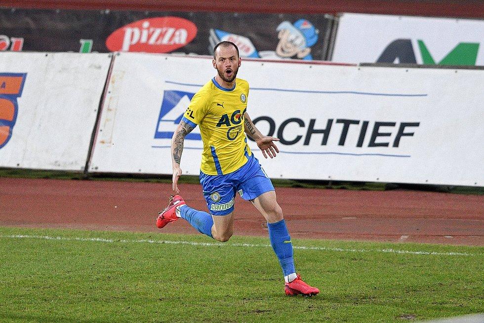 Utkání 21. kola první fotbalové ligy: FC Baník Ostrava – FK Teplice, 27 února 2021 v Ostravě. Pavel Moulis z Teplic oslavuje vstřelenou branku.
