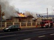 V Teplicích hořel drážní domek.
