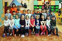 Na fotografii jsou žáci ze ZŠ Verdunská v Teplicích, 1. B třída.