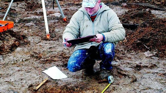 Archeologové v Měrunicích