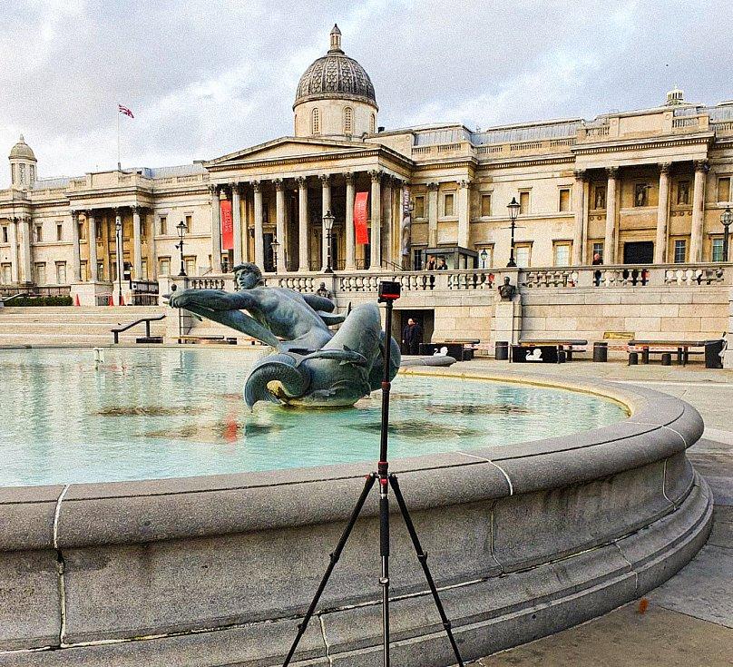 Projekt Kaleido přináší do domovů pro seniory možnost cestovat pomocí virtuální reality. Snímek z natáčení v Londýně.