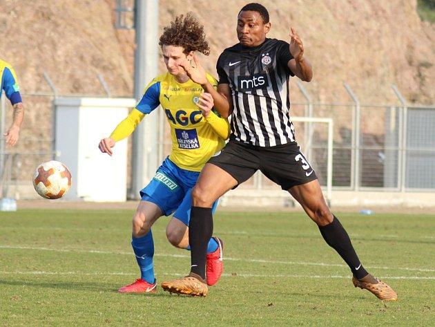 Alex Král při utkání s Partizanem Bělehrad