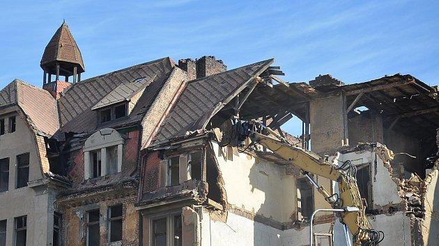 Demolice bývalého hotelu Imperiál v Teplicích začala