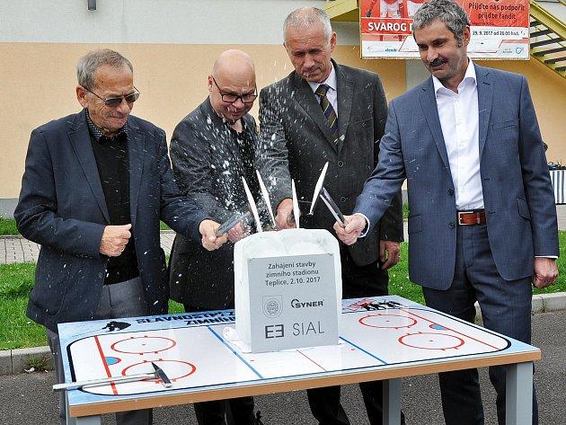 Slavnostní zahájení stavby zimního stadionu.