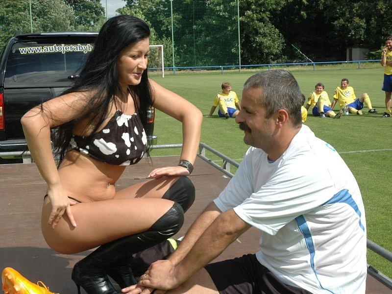 Proboštovský Hynek Chalupník se loučil s fotbalem... To tedy kamarádi vymysleli...
