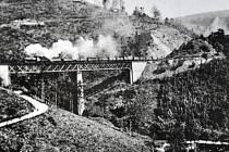 Moldavská dráha slaví 130 let. Na snímku vidíte jak dráha vypadala zhruba před sto lety.