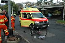 Na železničním přejezdu v Bílinské ulici v Teplicích se 21. 10. 2010 střetl motorový vlak s cyklistou, kterého sanitka převezla do nemocnice na ARO.