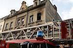 Při požáru domu v Újezdečku v neděli večer zemřel člověk.