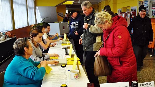 Zahájení druhého kola prezidentských voleb v Teplicích.