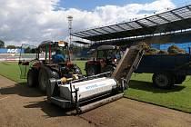 Rekonstrukce trávníku stadionu Na Stínadlech