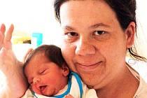 KAROLÍNA TICHÁ se narodila Zdeňce Tiché z Duchcova 21 . června v 9.24 h. v ústecké porodnici. Měřila 46 cm a vážila 2,65 kg.