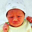 Adam Weinert se narodil Lucii Slavíkové ze Střelné 18. června  v 9.34 hod. v teplické porodnici. Měřil 49 cm a vážil 3,10 kg.