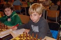 Jan Václavík nad šachovnicí
