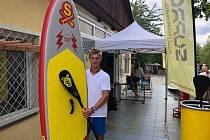 Na Barboře vám půjčí paddleboard i kajak.