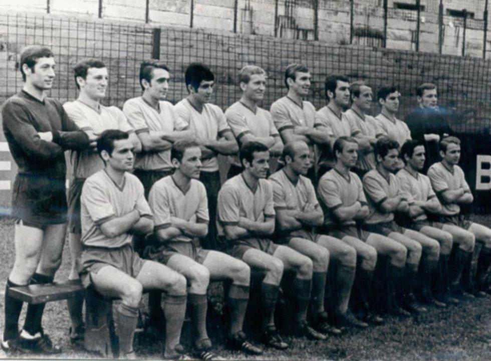Julius Kantor s týmem Teplic - v horní řadě čtvrtý zleva.