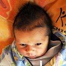 DENIS HELMA se narodil Zdeňce Hruškové z Teplic 12. prosince ve 14.22 hod. v teplické porodnici. Měřil 49 cm a vážil 2,85 kg.