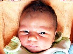 Alexandra Hlavová se narodila Lucii Hlavové z Duchcova 26. října v1.24 hod. v teplické porodnici. Měřila 49 cm a vážila 3,25 kg.