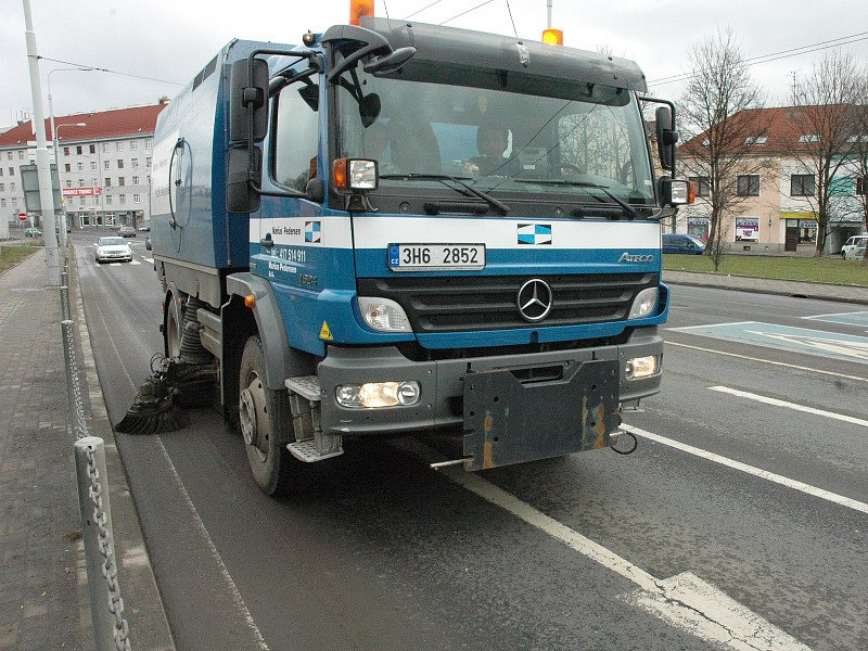 Čištění silnic po zimě